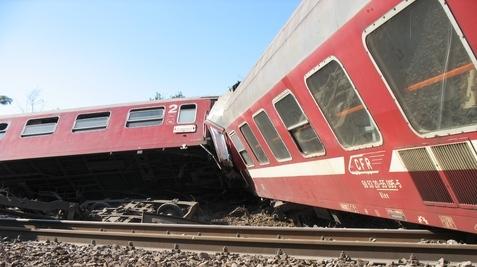 Trenul Accelerat deraiat la Cârcea