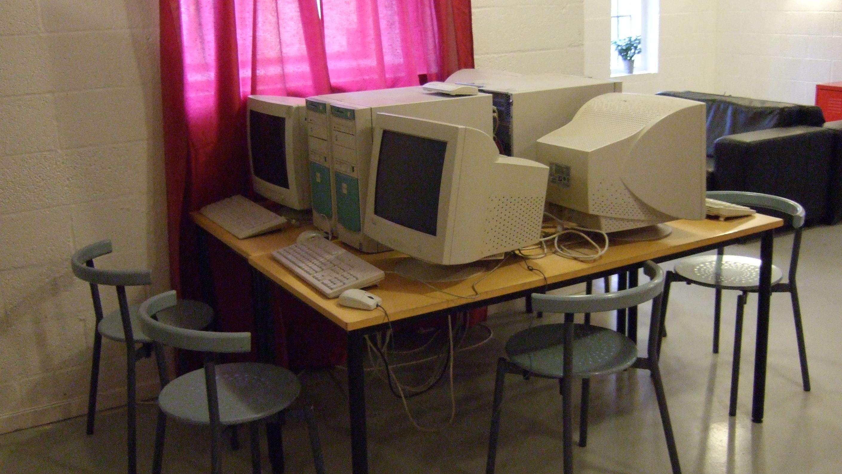 Vânzările de produse IT s-au înjumătățit în ultimul trimestru din 2009.