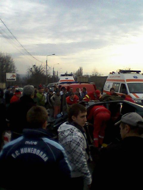 Accident grav la ieşire din Hunedoara