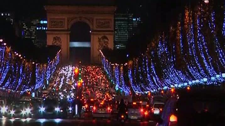 Luminile de Crăciun la Paris