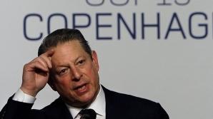 Iniţial, poliţia nu a crezut acuzaţiile care i se aduceau lui Al Gore, dar ulterior a redeschis cazul.