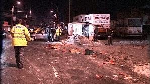 Trei maşini s-au accidentat în Bucureşti din cauza poleiului