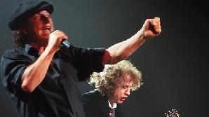 AC/DC vin la Bucureşti în 2010