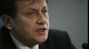 Antonescu: În spatele lui Traian Băsescu a stat SRI, SIE, STS, Parchetul general, DNA