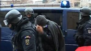 Judecătorii au decis ca 14 suspecţi în furtul armelor de la Ciorogârla să fie arestaţi pentru 29 de zile / FOTO: RTV