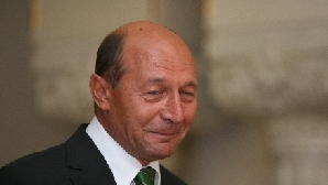 Traian Băsescu câştigă numărătoarea menţionărilor şi în blogosferă.