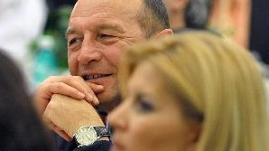 Băsescu şi-a amintit destul de târziu despre întâlnirea cu Năstase. De bileţelul lui Tăriceanu i-a