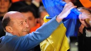 Traian Băsescu îşi măreşte la o săptămână după alegeri zestrea de voturi