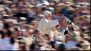 Papa Benedict al XVI-lea le va vorbi credincioşilor de Crăciun mai repede decât în mod obişnuit