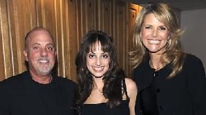Billy Joel alături de fiică şi Christine Brinkley