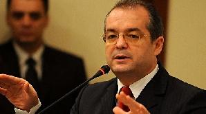 Emil Boc: Baconsky are mai multă experienţă în diplomaţie decât Aurescu