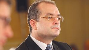 Emil Boc îi atacă pe social-democraţi