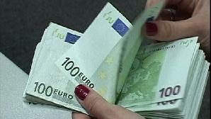 Un euro  = 4,0729 lei