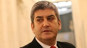 Oprea nu e încă ministru dar ameninţă cu demisia