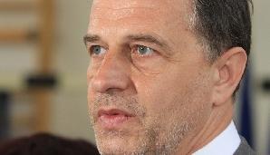 Mircea Geoană nu vrea la putere cu doar un ministru