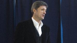 Gică Popescu ţine pumnii echipei fostului său coleg de la naţională, Dan Petrescu.