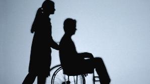 Asistenţii persoaneloc cu handicap din Mureş nu şi-au primit banii