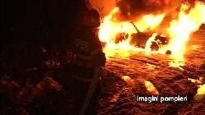Pompierii spun că maşina ar fi putut fi incendiată.