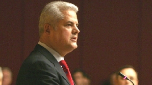 Adrian Năstase se fereşte să compare situaţia de acum cu cea din 2004