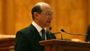 Traian Băsescu vrea să rămână un preşedinte jucător