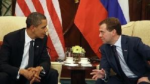 Obama şi Medvedev discută despre tratatul START