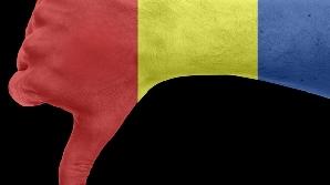 După prea multe urări de trăit bine, românii au dus-o rău. Deşi politicienii nu au crezut la început în criză, aceasta a lovit România în plină faţă.