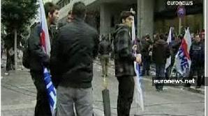 Guvernul elen a anunţat scăderi salariale masive pentru a redresa economia ţării