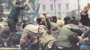 Există şi revoluţionari care au fost atinşi de rafala de gloanţe, dar au supravieţuit.
