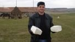 Ciobanii din Mărginimea Sibiului speră să le crească vânzările la caş şi cârnaţi de Crăciun