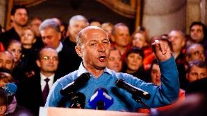 The Economist: Traian Băsescu a câştigat deşi avantajele erau de partea lui Mircea Geoană