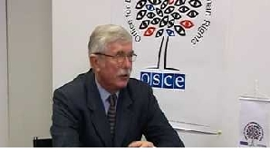 Şeful OSCE la Bucureşti atrage atenţia asupra campaniei negative