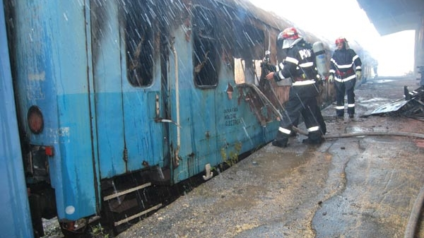 Vagonul de tren a luat foc