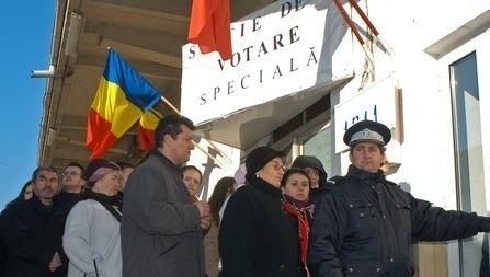 Secţiile speciale din Bucureşti au fost aglomerate