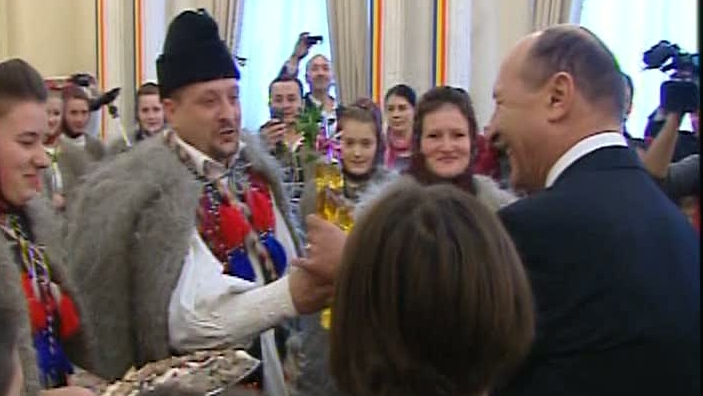 Traian Băsescu a primit colindători la Palatul Cotroceni