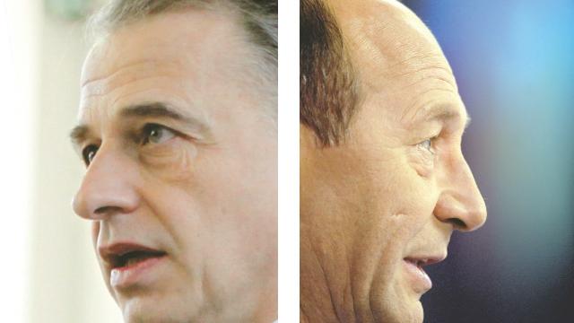 Băsescu şi Geoană continuă atacurile pe Internet
