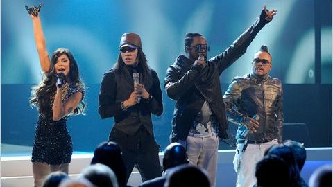 Membrii Black Eyed Peas au motiv să privească meciurile de la CM