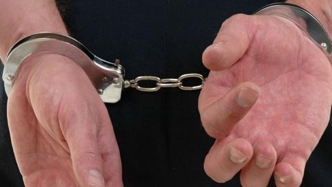 Cei doi inculpaţi au pretins că sunt comisari ai Gărzii Financiare