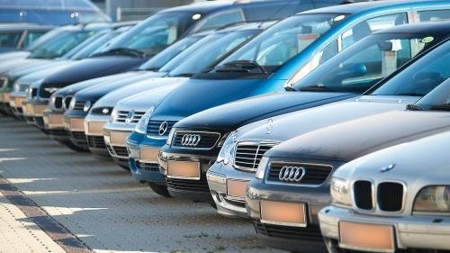 Borbely vrea să promoveze o ordonanţă de urgenţă privind taxa auto