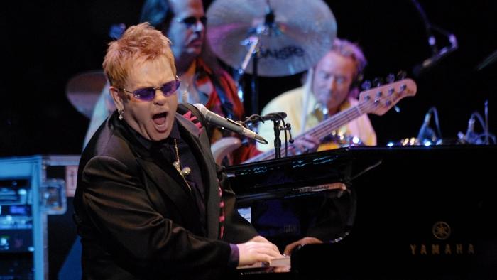 Elton John va concerta pentru a doua oară la București