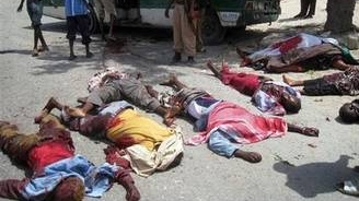 Atenata la Mogadiscio soldat cu 19 morţi şi 60 de răniţi