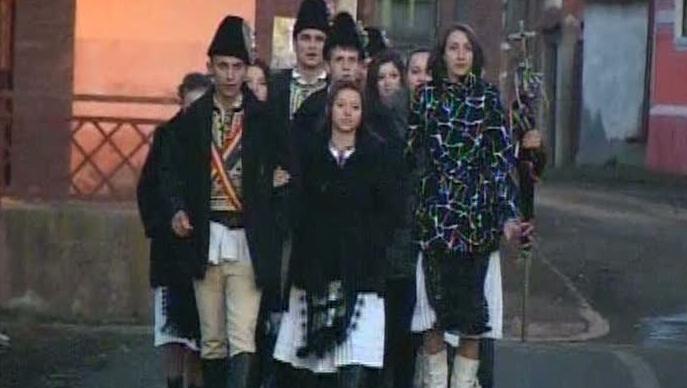 Steagul a mândria tinerilor colindători.