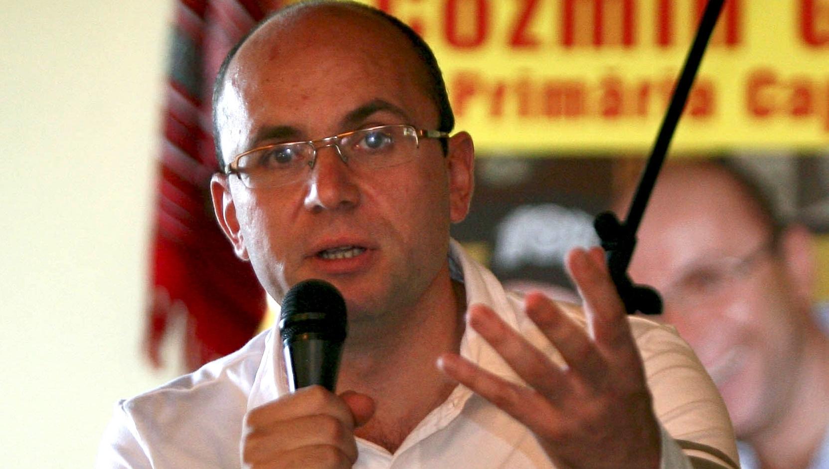 Cozmin Guşă vorbeşte despre campania electorală