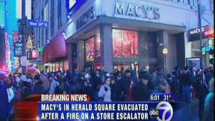 Un incendiu a dus la evacuarea magazinului Macy\'s din New York