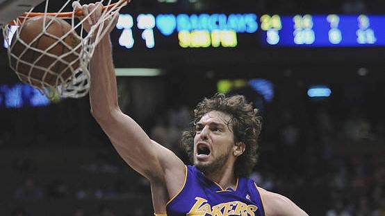 Gasol este cel mai bun baschetbalist spaniol şi joacă la Lakers din 2008