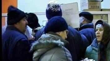 Mii de pensionari din întreaga ţară au început să stea la cozi pentru biletele de tratament din 2010