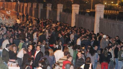Bucureştenii vor sărbători în Piaţa Constituţiei