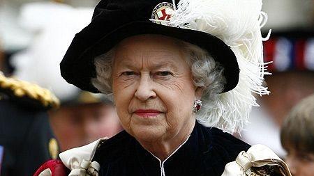 Un DJ a fost concediat pentru că a întrerupt un discurc al Reginei