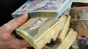 Instituţiile publice vor primi mai mulţi bani pentru salariile angajaţilor