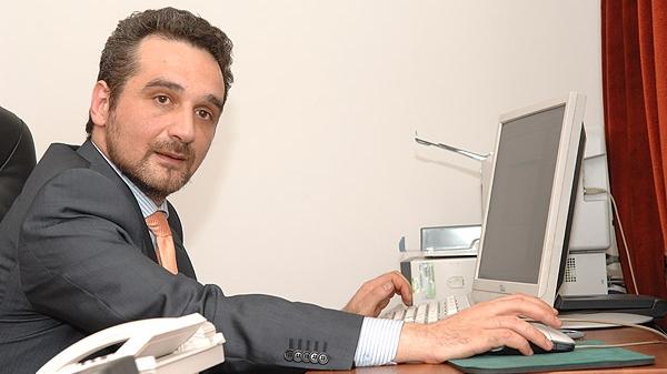 Sebastian Lăzăroiu spune că o formulă PD-L-PSD este aproape exclusă