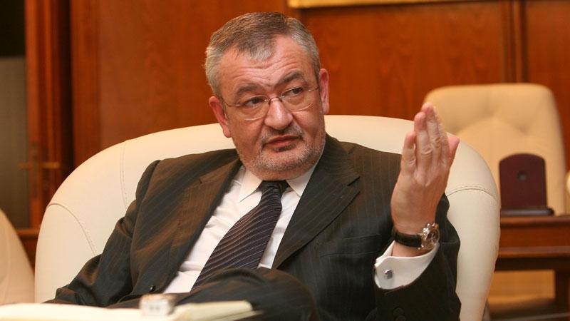 Sebastian Vlădescu se pregăteşte să-i ia locul lui Pogea la Finanţe